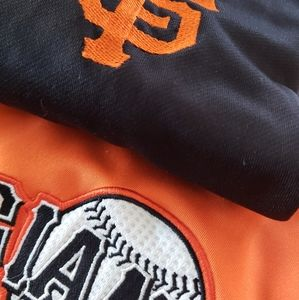 Mlb lot of 2 Giants jersey/sweater